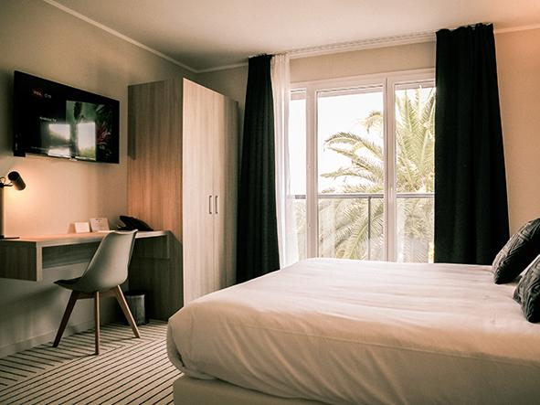 H tel best western plus antibes riviera site officiel de for Moteur de recherche hotel
