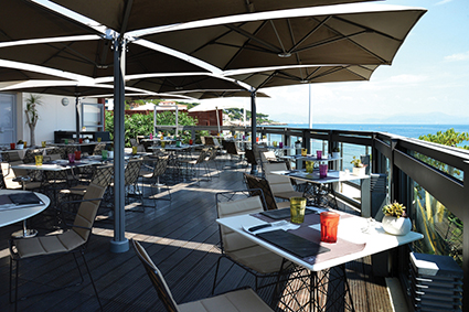 Le pavillon beach the official website of antibes juan for Le jardin antibes restaurant