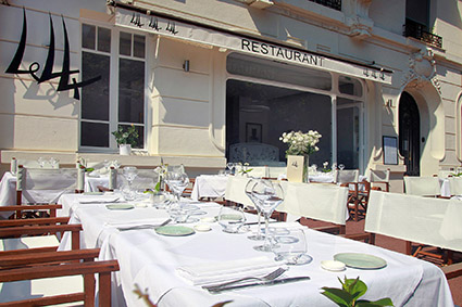 Le 44 the official website of antibes juan les pins for Restaurant le jardin a antibes