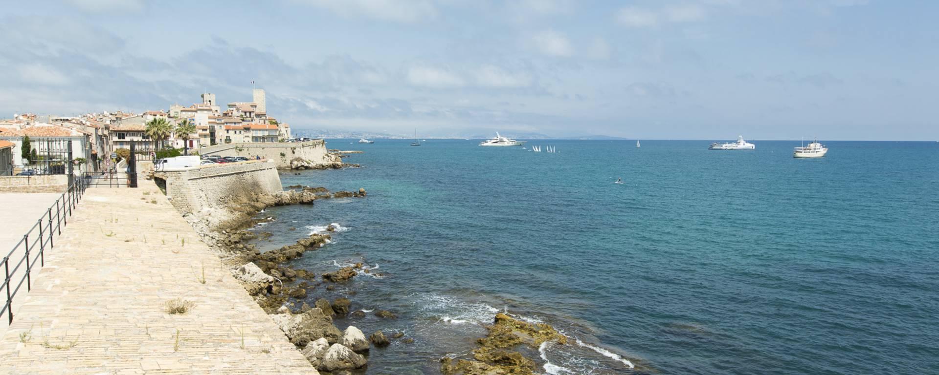 Antibes, rempart walls ©Gilles Lefrancq