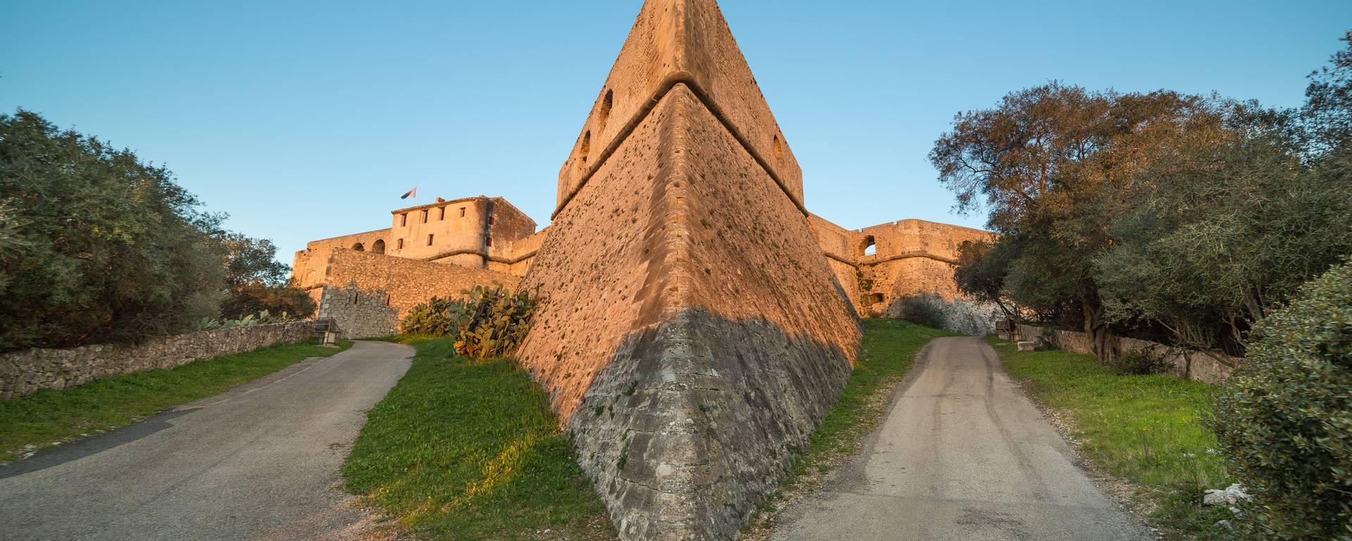 A l'intérieur des murailles ©Mairie d'Antibes - J. Brosset