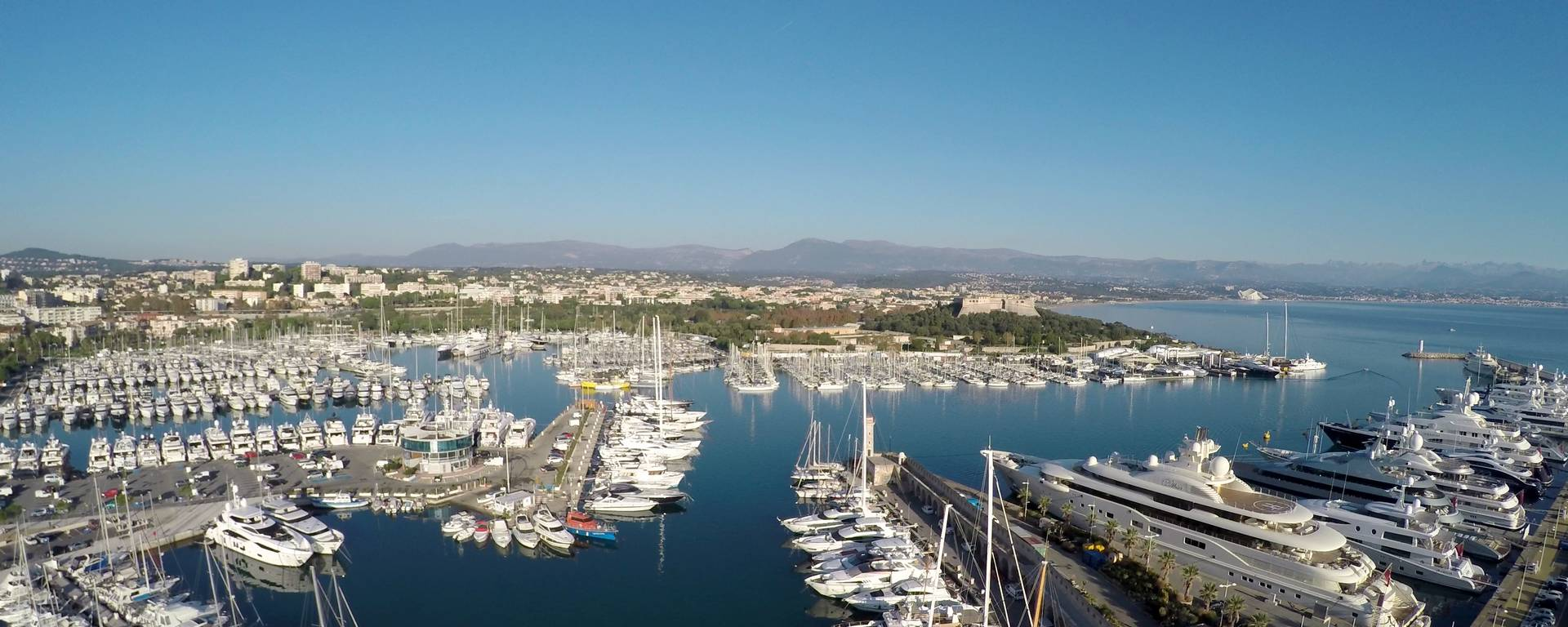 Antibes' port Vauban, billionaire wharf in first plan