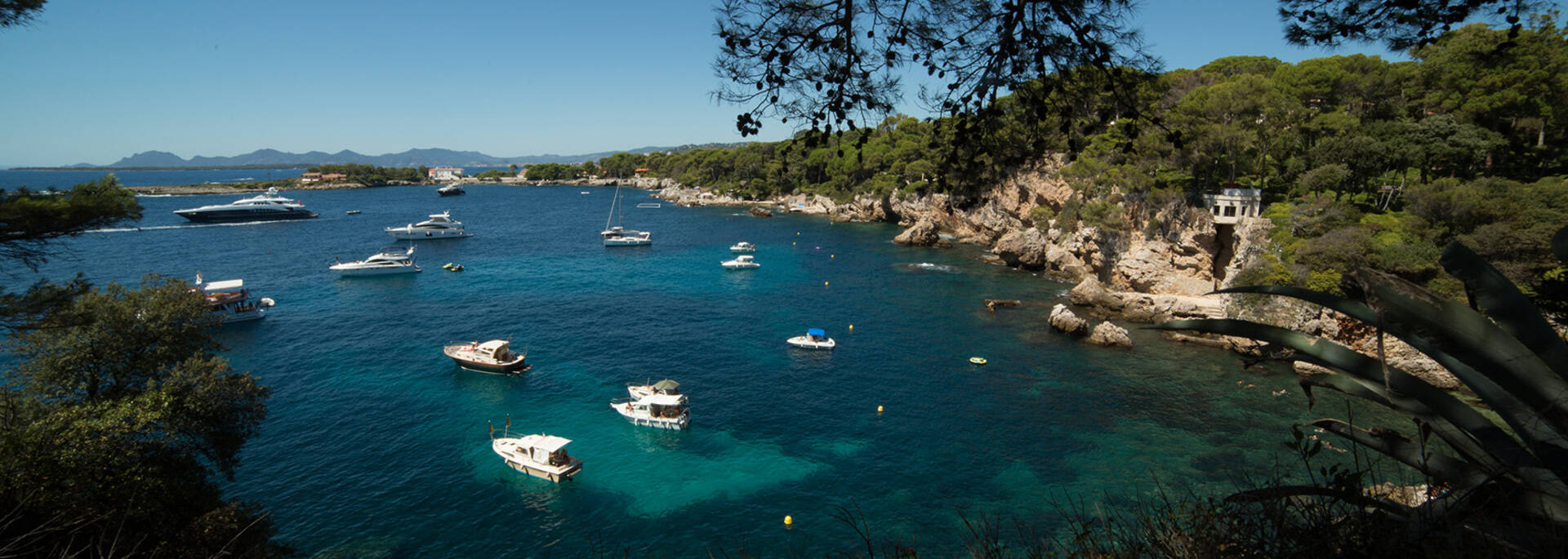 A protected cove ©Mairie d'Antibes - J. Bayle