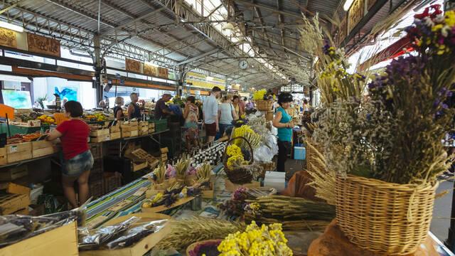 Antibes, mercato provenzale ©Office de Tourisme et des Congrès d'Antibes Juan-les-Pins - Gilles Lefrancq