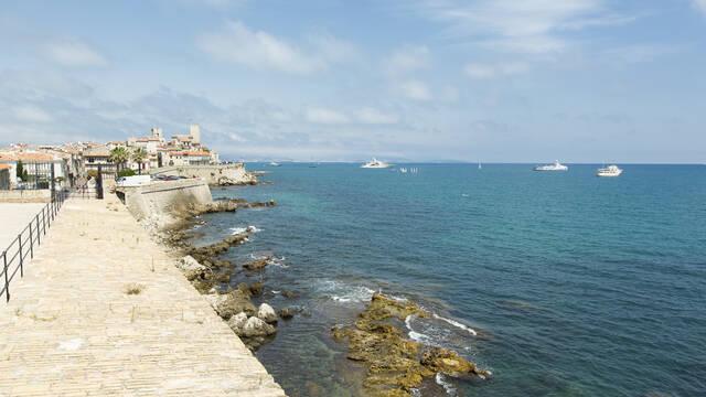 Antibes, les Remparts ©Office de Tourisme et des Congrès d'Antibes Juan-les-Pins - Gilles Lefrancq