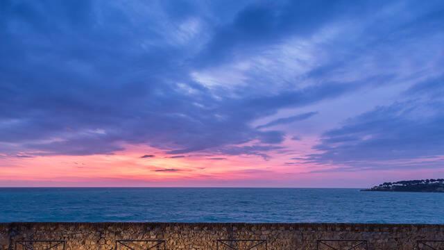 Vue des Remparts, coucher de soleil ©J. Bayle