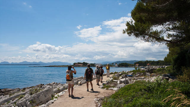 Walk Tirepoil path©Mairie d'Antibes - Julien Brosset