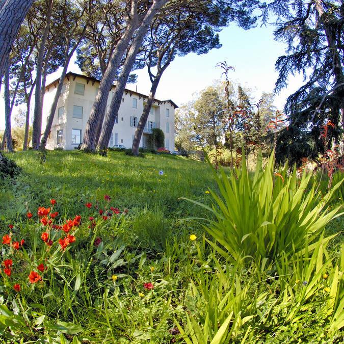 Villa Thuret in botanic garden