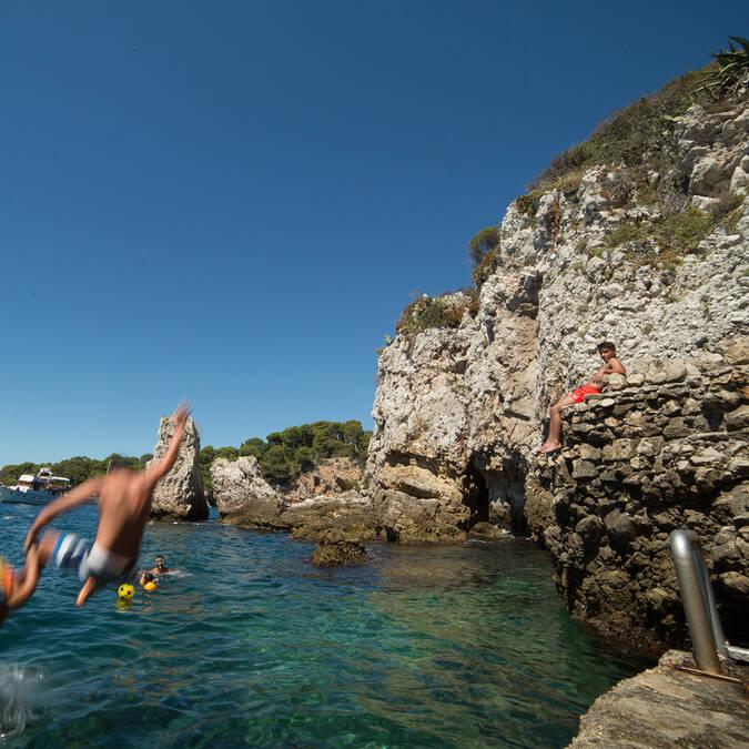 Rochers au Cap d'Antibes ©Mairie d'Antibes - J. Bayle